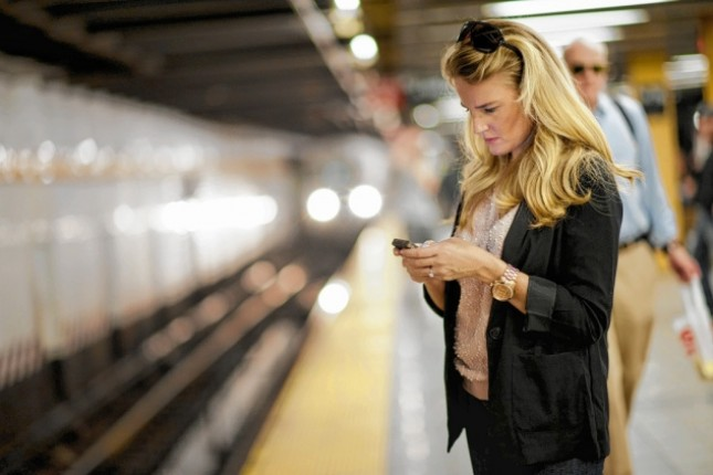 texting_in_the_subway.jpg