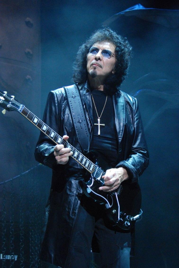Tony-Iommi_2009-06-11_Chicago_photoby_Adam-Bielawski.jpg